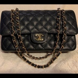 Chanel classic flap (Not A.)
